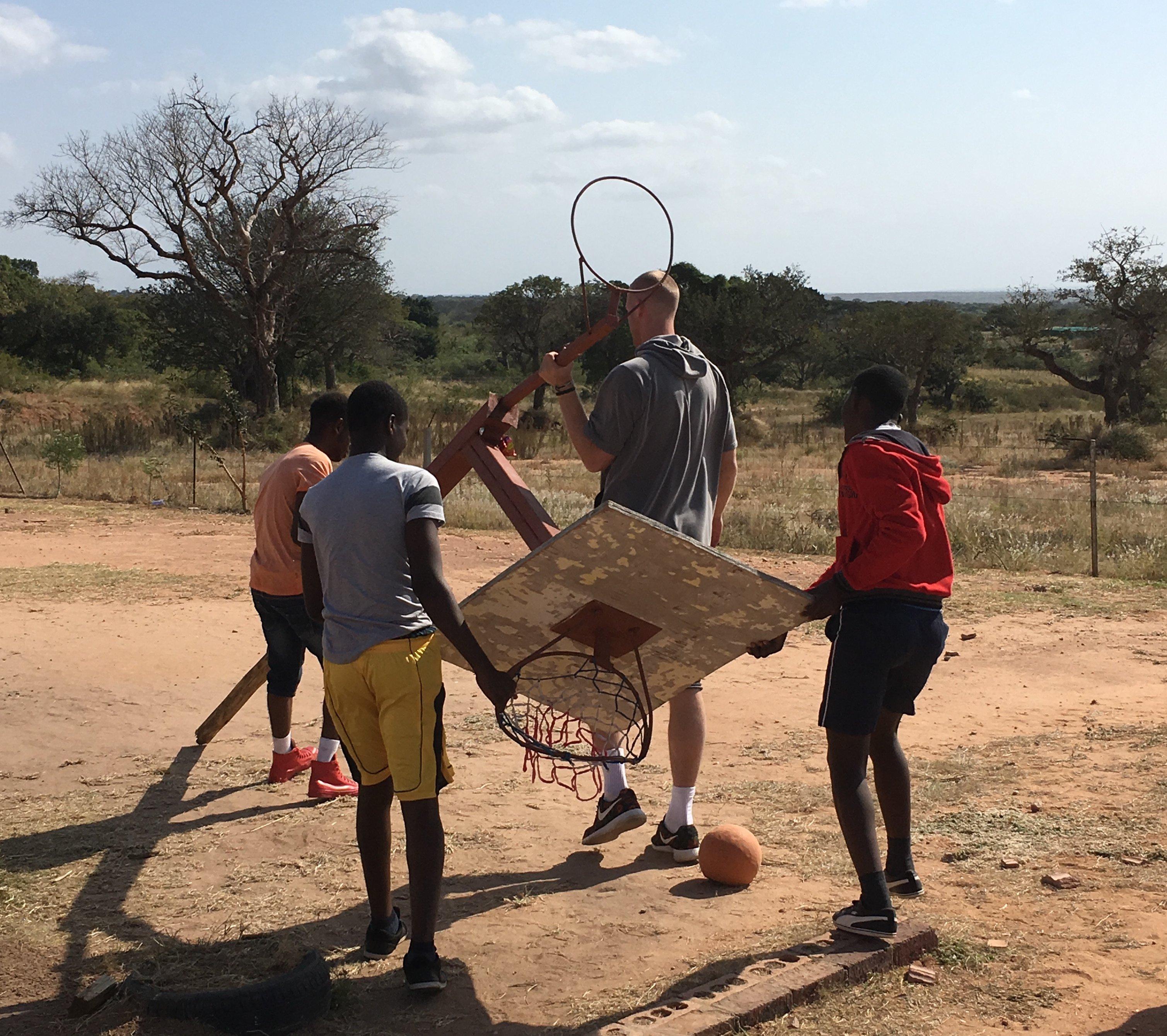 Assembling a basket